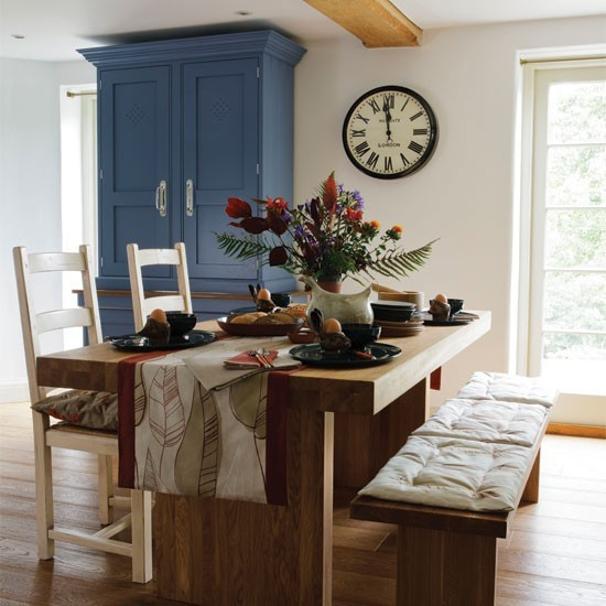 Masivny dubovy stol
