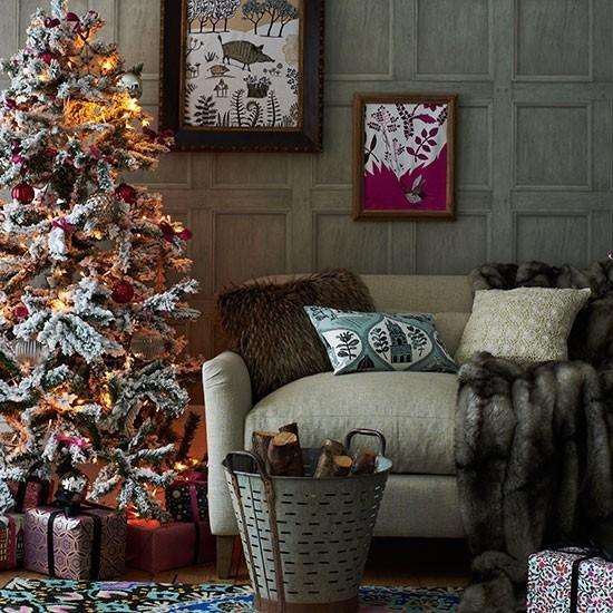 Zasnezeny vianocny stromcek