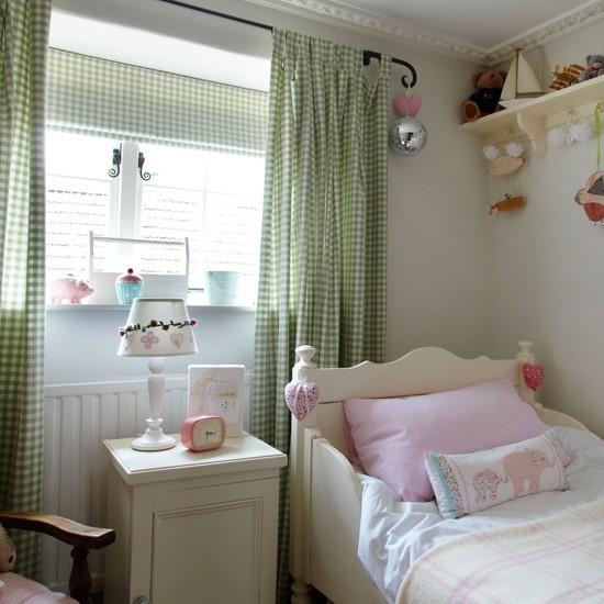 Romanticka dievcenska izba